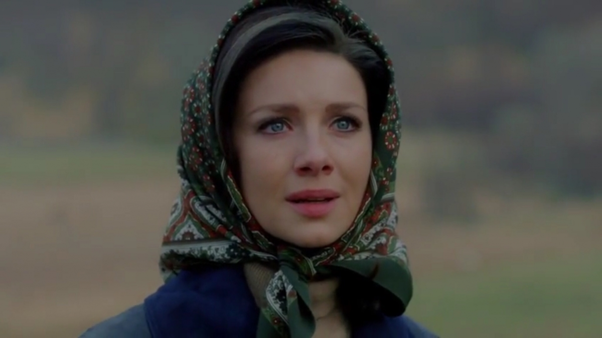outlander season 3 air date spoilers caitriona balfe dishes on claire s life with frank