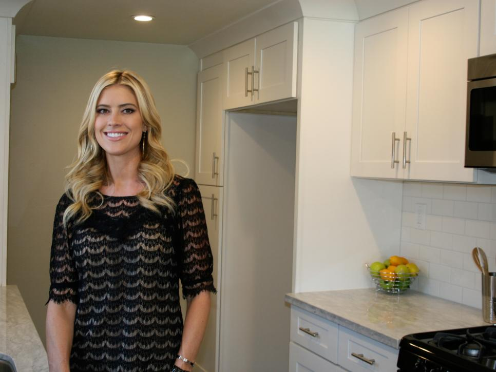 Who is the girl on flip or flop dating