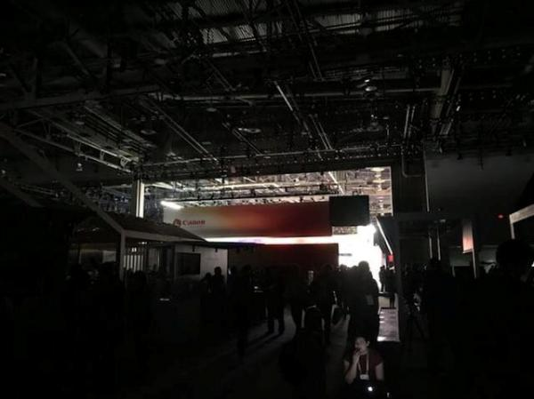 Brief power outage darkens CES tech, electronics show