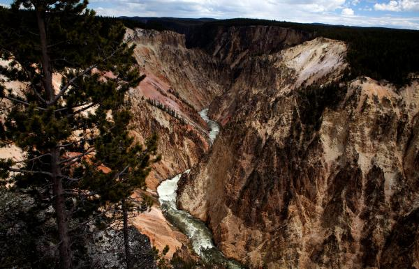 Three Britons killed in Grand Canyon helicopter crash named